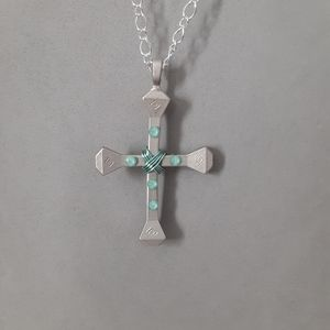 Jewelry - Horse shoe nail cross necklace. country western